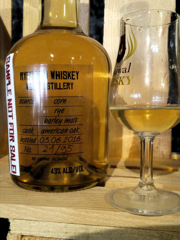 WOLF Distillery - Wolf Ryecorn Whiskey